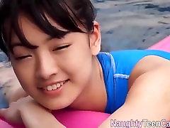 Āzijas teen pornogrāfija ar baseinu
