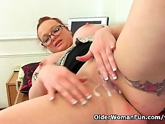 British milf Summer Angel Lee loves anal dildoing