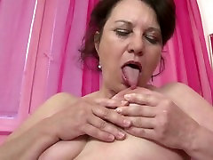 Real fuul ho mother with hungry beautyful oil pussy