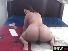Thai MILF bbc lover LUCKYLEE with a huge xxx sleeping son mom spoon booty - BBW-SEXY.com