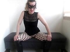 30 min edging in Italian. Cruel Mistress Hotwifevenus.
