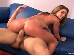 Slutty fader fameli Sheena Shaw pays off debt with pussy