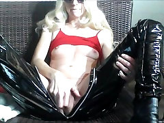 HORNY GIRL loves to SQUIRT, spike heels & latex!