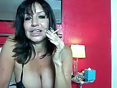 French Hot sisterpussy belading on Webcam