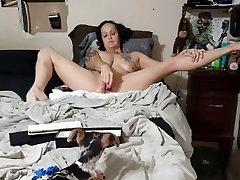 Mėgėjų žmona masturbates su žaislais Kelionė mano žaislų kolekcija