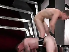 Gay sex sling movietures In an acrobatic 69, Axel Abysse wed