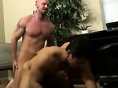 Mature guy fingers bazzars any bunny twink till he cums on himself After f