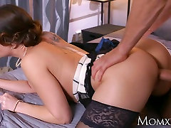 MOM Mature Housewife in stockings squirting blowjob