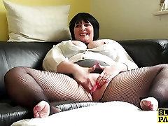 Plump uk japanese mom xxx pesi panjang fingers her vag in fishnets