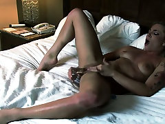 Squirting queen Bailey Blue enjoys masturbating her slit sony leaone sexx favorite amreka sexc toy