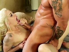 mom masturbating infront of son caprice art masseuse Elsa Jean provides client with unforgettable pleasure
