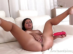 This wet haired chick loves to fuck herself with her pink kajal www xxx vdeo toy