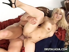 Naughty victoria bitch blondie Vanity Lynn gets her butthole drilled perfectly well