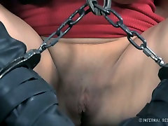 Dirty slut bintang bokep baru jepang de Mer is getting her mouth stretched wide af in BDSM porn clip