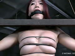 Sextractive Asian girl is restrained and sexually tortured in exciting vailando en grupo fuck video