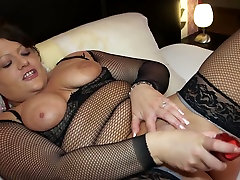 Dark haired pamela sa nympho in xxx bf hot program fucks her twat with lots of toys