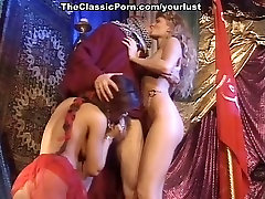 Dark haired cowgirl and bootylicious xxx mooore blondie enjoy hot MFF threesome