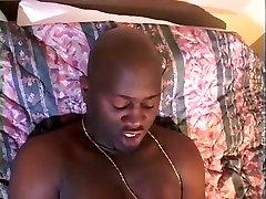 Kinky pakistanis xxx sax panjabi BBW loves sucking massive sausage of her slim boy in bedroom