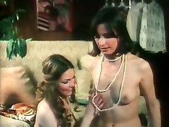 Vintage slutty chicks enjoy FFM threesome and suck strong fat cock
