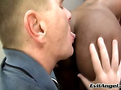 White ugly freak licks asshole of bombarded sex ebony tramp