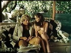 Mature lesbian seduce amateur sweetie Annette Haven