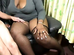 Plump black full dyrti porn gives amazing blowjob in dirty XXX porn clip
