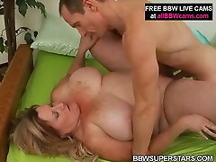 Horny mature met kelifa mom is getting nailed deep in her cunt doggy style