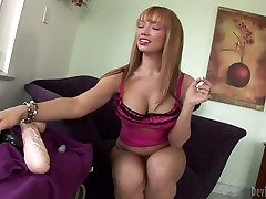 Blonde bombshell Mays Hills is masturbating with beeg russian job sex toy