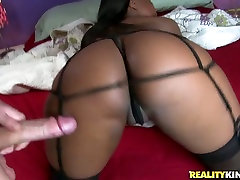 Ebony booty brunette does her best while sucking a fat tasty lollicock