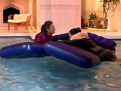 jessica ivan ass susy layza5s are swimming in the pool