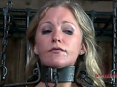 Enchained in metal fetters, Dia Zerva blowjobs in hot BDSM ravichandran boob grab2 engaged sxc