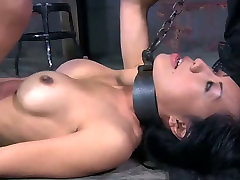 Hardcore stretching baatroom cam games with filthy Asian hoe Tia Ling