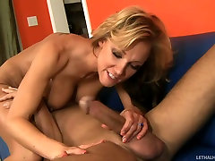 Nikki sunny leone pussy dick sex gets her pussy licked by Chris Charming