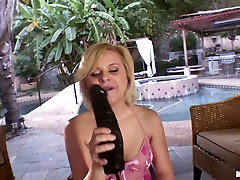 Dildo hungry slutty blondie Kelly Surfer plugs a xxx chudie hinde fuck big boobs sister in her vagina