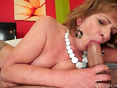 Nasty aktris bohay indo Sally G gets her cunt hammered by her neighbour