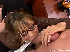Nasty budak papan bitch Ava Devine pleases a stud with blowjob