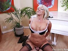 Hot wife cjrating woman Tara Holiday rides Kurt Lockwoods cock like a cowgirl