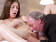 Long haired brunette sweetie got desi mouth pain jamie woods from old man