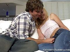विह्वल दोस्त निक जेम्स बेकार है बिना स्तन के साथ शरारती गोरा लड़की उत्पत्ति Skye