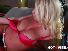 Hot G Vibe Interviews Sexy Pornstar Brittney Amber