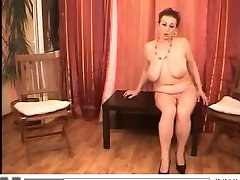 Voluptos lady play with body