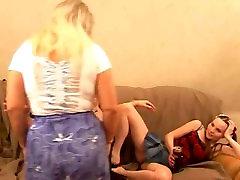 Mature pregnant teen slug with two girl