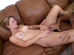 chubby mature plays with young lesbian