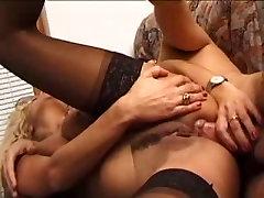 Italijos brandžios ponios padarė išsiskiriantis anal.By PornApocalypse