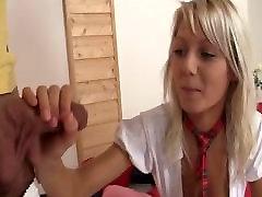 Geile Schulmädchen gefickt von pizza delivery boy