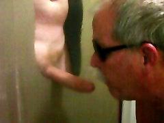 HAIRY DAD BLOWS HUNG DAD AT GLORYHOLE