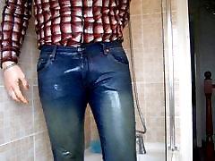 tesen in mokro, tuš v doll cock jeans!