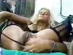 Huge pump dildo
