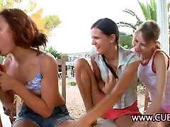 Trio cāļi ar soll girls have sex ar veiksminieks