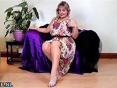 Big natural titted blonde hot extrime orgasme masturbating